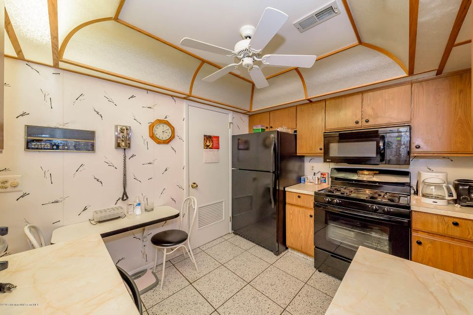Additional photo for property listing at 124 Sunnymede Street  Englishtown, New Jersey 07726 États-Unis