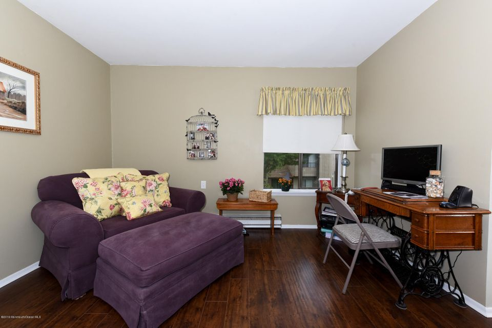 Additional photo for property listing at 17b Belmont Court  Red Bank, New Jersey 07701 United States