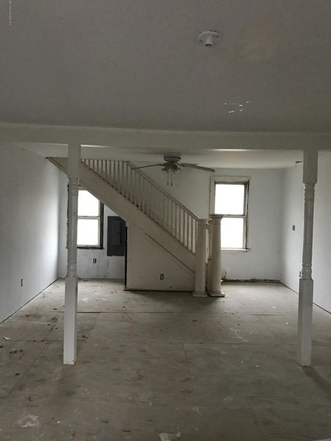 Additional photo for property listing at 48 Center Avenue  Keansburg, Nueva Jersey 07734 Estados Unidos