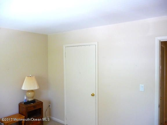 Additional photo for property listing at 735 Greens Avenue  Long Branch, New Jersey 07740 États-Unis