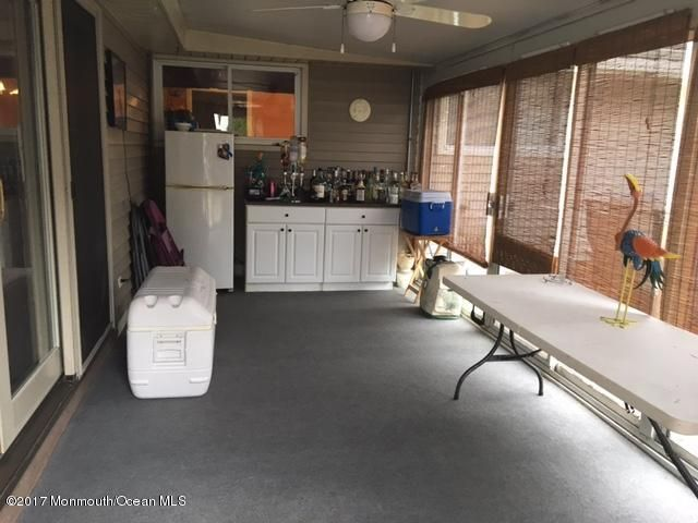 Additional photo for property listing at 67 Washington Avenue 67 Washington Avenue Old Bridge, New Jersey 08857 États-Unis