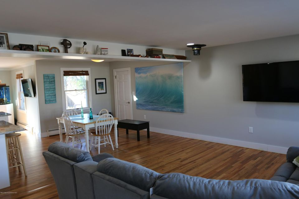 Additional photo for property listing at 812 Woodwild Drive  Point Pleasant, New Jersey 08742 États-Unis