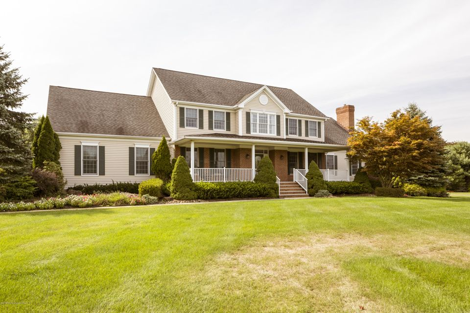 Additional photo for property listing at 21 Jockey Terrace  Colts Neck, New Jersey 07722 United States