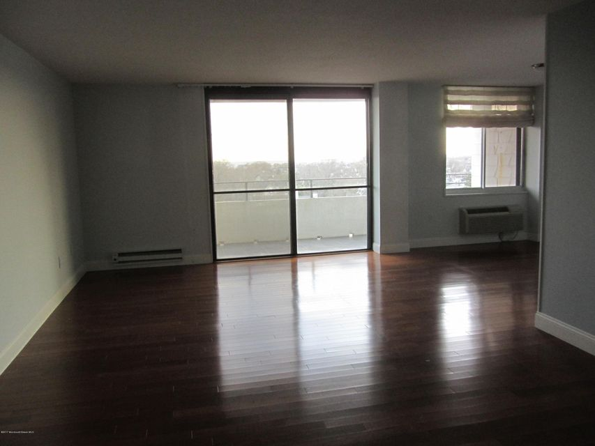 Additional photo for property listing at 1 Channel Drive  蒙莫斯郡, 新泽西州 07750 美国