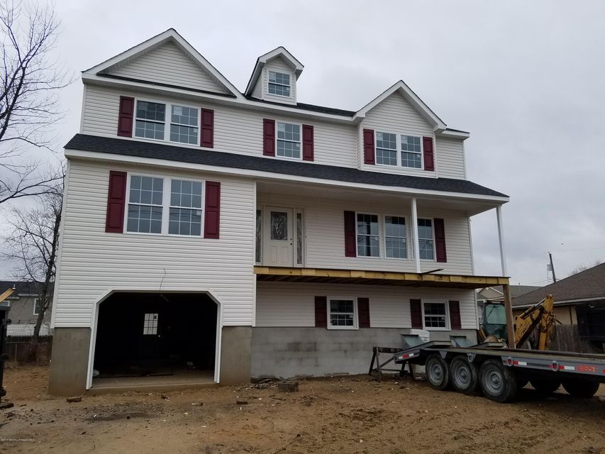 Maison unifamiliale pour l Vente à 608 Edmunds Avenue Union Beach, New Jersey 07735 États-Unis