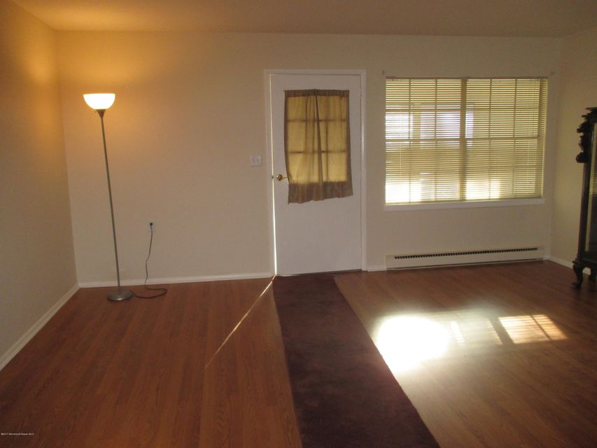 Additional photo for property listing at 469d Thornbury Court  Lakewood, Nueva Jersey 08701 Estados Unidos