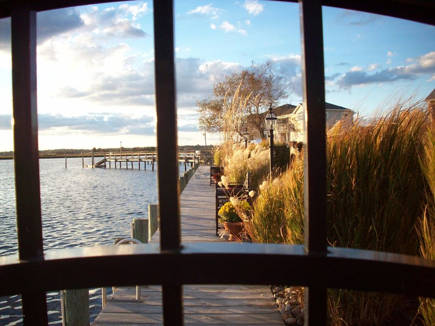 Additional photo for property listing at 1 Mara Vista Drive  Monmouth Beach, New Jersey 07750 États-Unis
