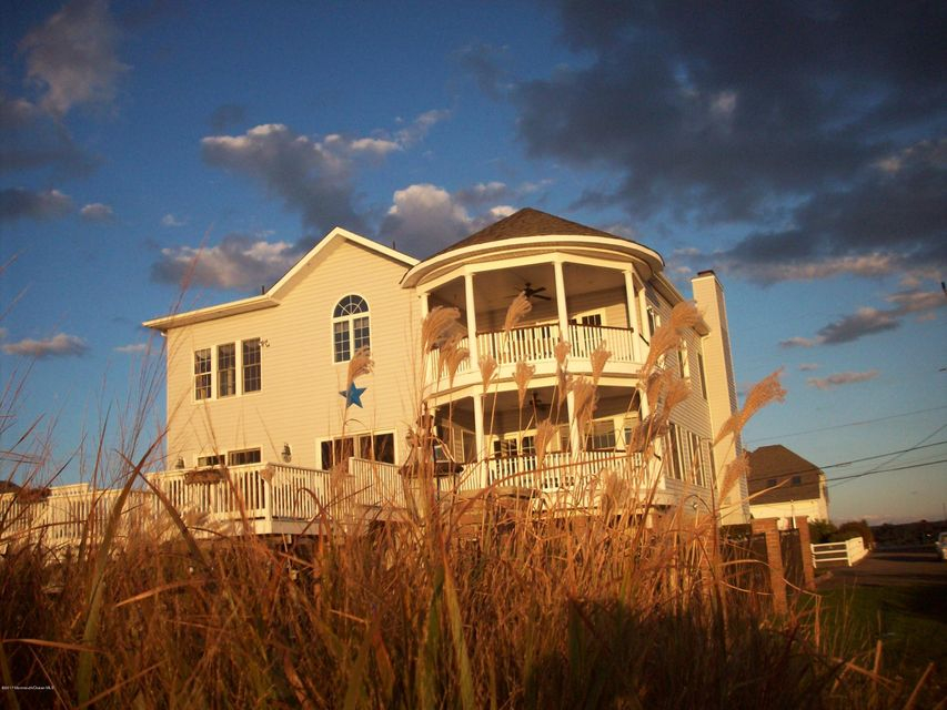 Additional photo for property listing at 1 Mara Vista Drive  Monmouth Beach, New Jersey 07750 United States