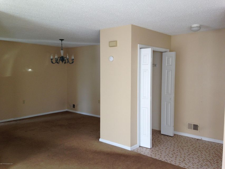 Additional photo for property listing at 9 Bellwood Court  Barnegat, Nueva Jersey 08005 Estados Unidos