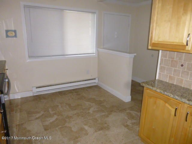Additional photo for property listing at 222 B Medford Court  Manalapan, New Jersey 07726 United States