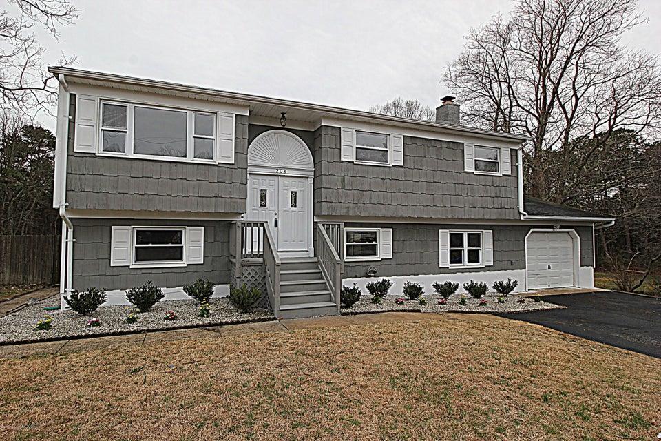 Casa Unifamiliar por un Venta en 208 Essex Drive Brick, Nueva Jersey 08723 Estados Unidos