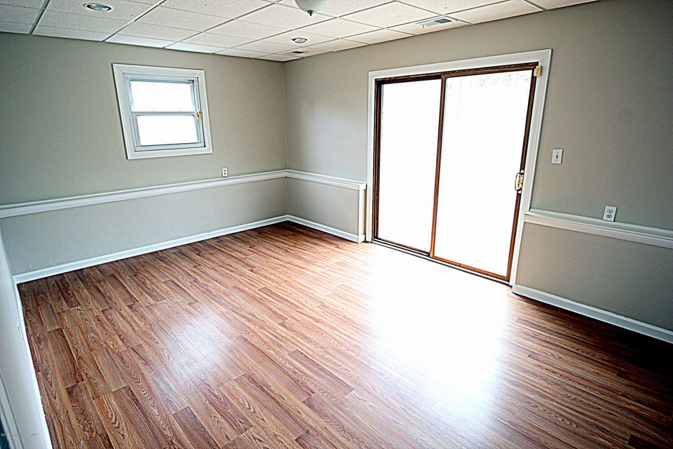 Additional photo for property listing at 208 Essex Drive  Brick, New Jersey 08723 États-Unis