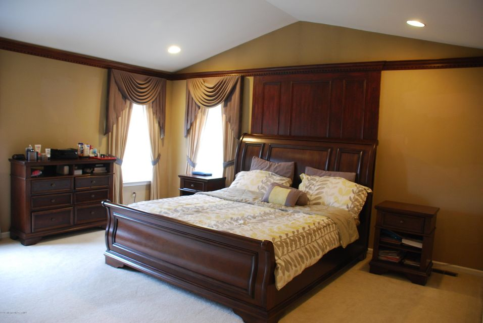 Additional photo for property listing at 120 Persimmon Lane  Holmdel, New Jersey 07733 États-Unis