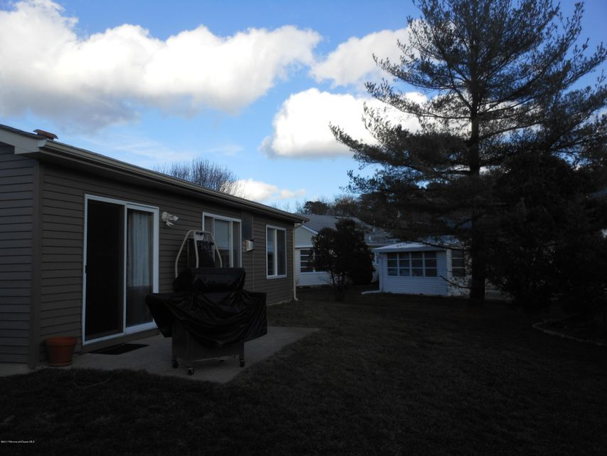Additional photo for property listing at 18 Dartmoor Road  Brick, New Jersey 08724 États-Unis