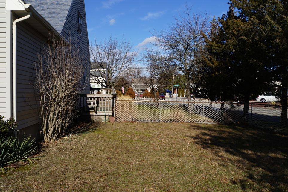 Additional photo for property listing at 203 Pinewood Road  Toms River, Nueva Jersey 08753 Estados Unidos