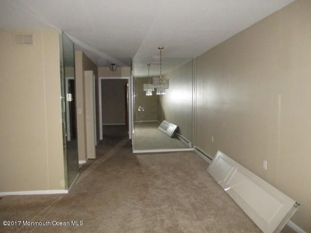 Additional photo for property listing at 39 Dover Walk  Toms River, New Jersey 08753 États-Unis