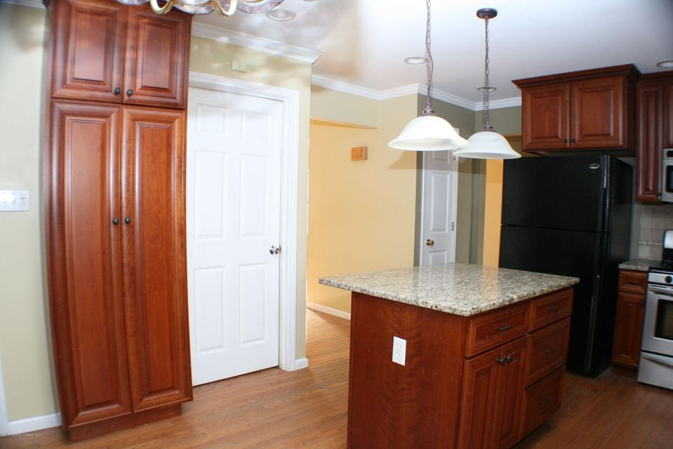 Additional photo for property listing at 68 Haines Street  Lanoka Harbor, New Jersey 08734 États-Unis
