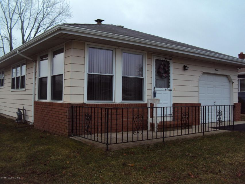 Additional photo for property listing at 11 Bonaire Drive  Toms River, Nueva Jersey 08757 Estados Unidos