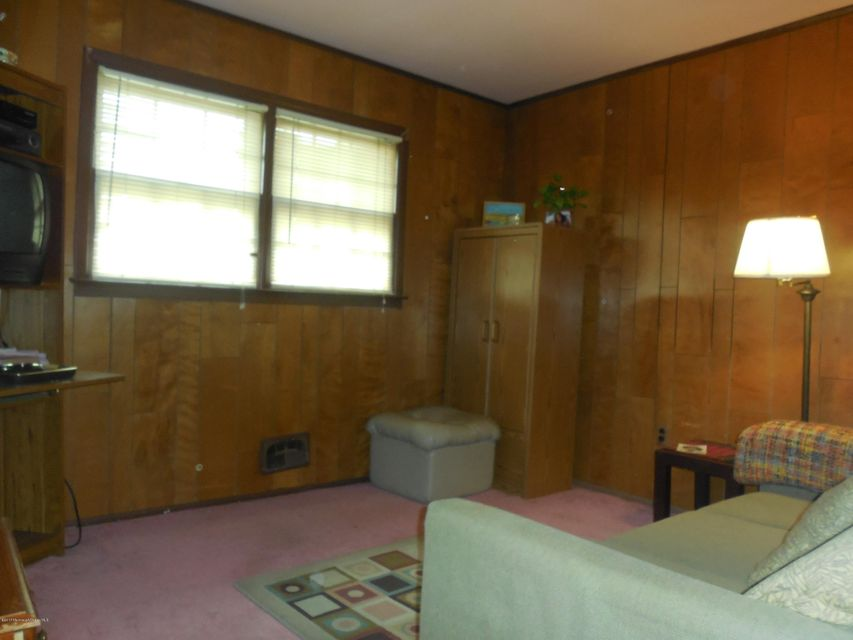 Additional photo for property listing at 807 Stamford Drive  Neptune, New Jersey 07753 États-Unis