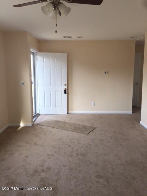 Additional photo for property listing at 893 Egret Drive  Toms River, New Jersey 08753 États-Unis