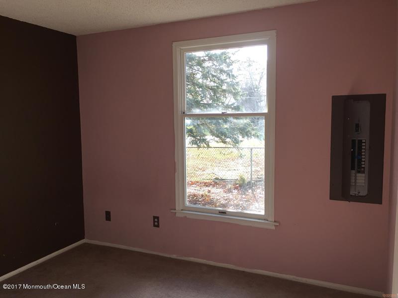 Additional photo for property listing at 105 Elmwood Drive  布里克, 新泽西州 08723 美国