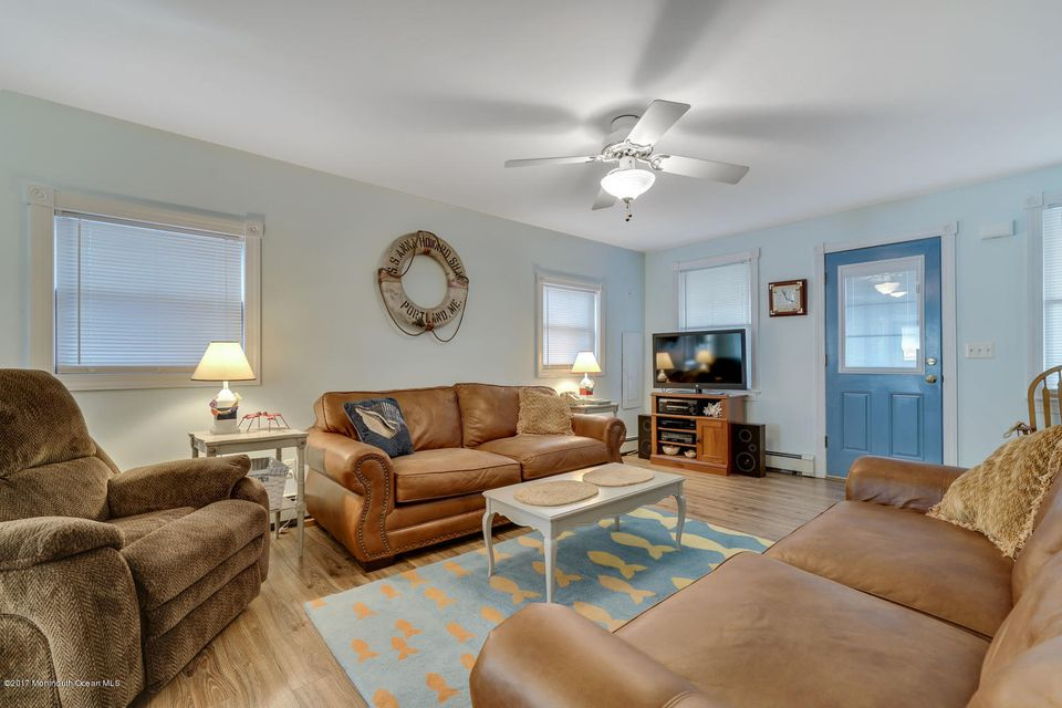 Additional photo for property listing at 113 I Street  Seaside Park, New Jersey 08752 États-Unis