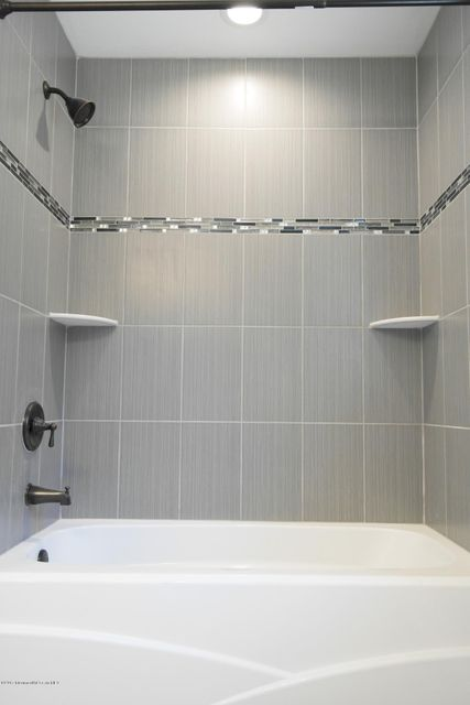 Additional photo for property listing at 428 Spotswood Englishtown Road  门罗, 新泽西州 08831 美国