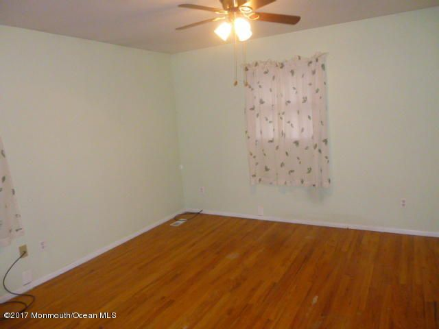 Additional photo for property listing at 213 Pennant Avenue  Beachwood, New Jersey 08722 United States