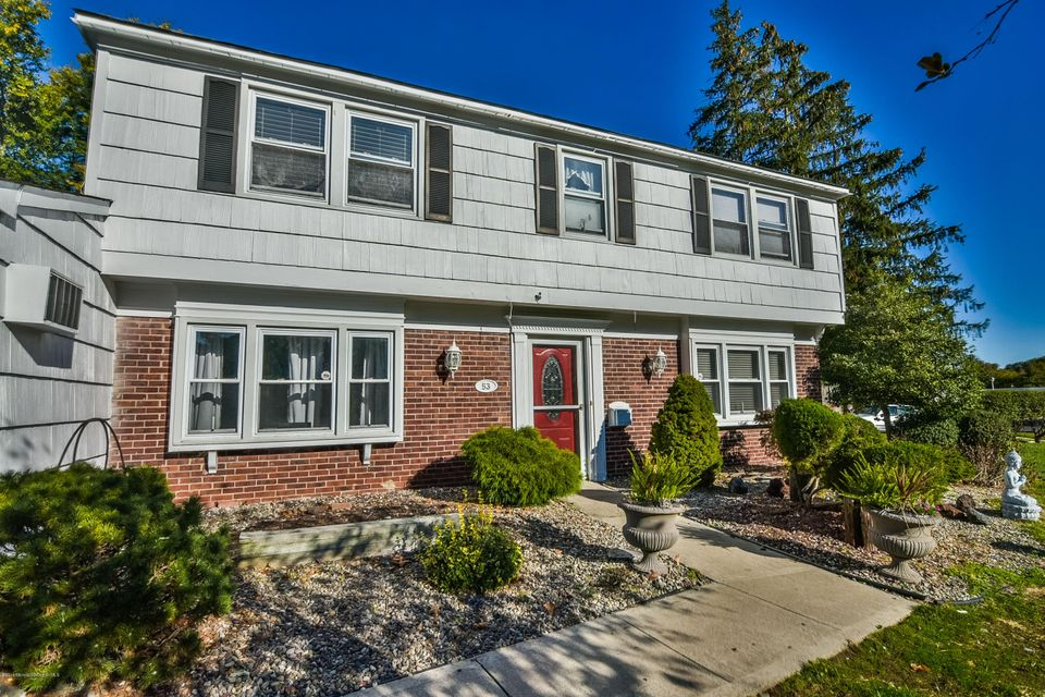 Additional photo for property listing at 53 Canfield Lane  Aberdeen, New Jersey 07747 États-Unis