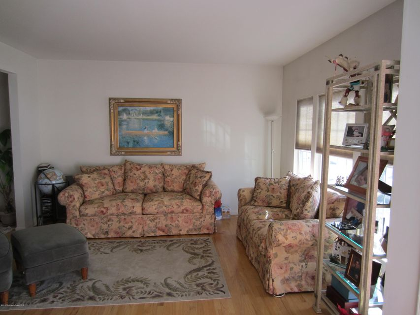 Additional photo for property listing at 153 Royal Drive  Brick, New Jersey 08723 United States
