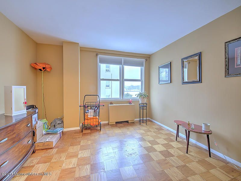 Additional photo for property listing at 510 Deal Lake Drive  Asbury Park, Nueva Jersey 07712 Estados Unidos