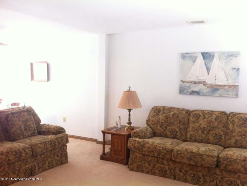 Additional photo for property listing at 1826 Bay Boulevard  Point Pleasant, New Jersey 08742 États-Unis
