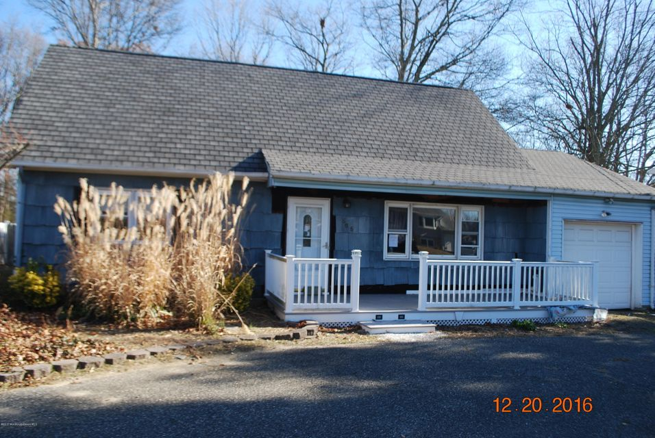 独户住宅 为 销售 在 565 Vaughn Avenue 汤姆斯河, 新泽西州 08753 美国