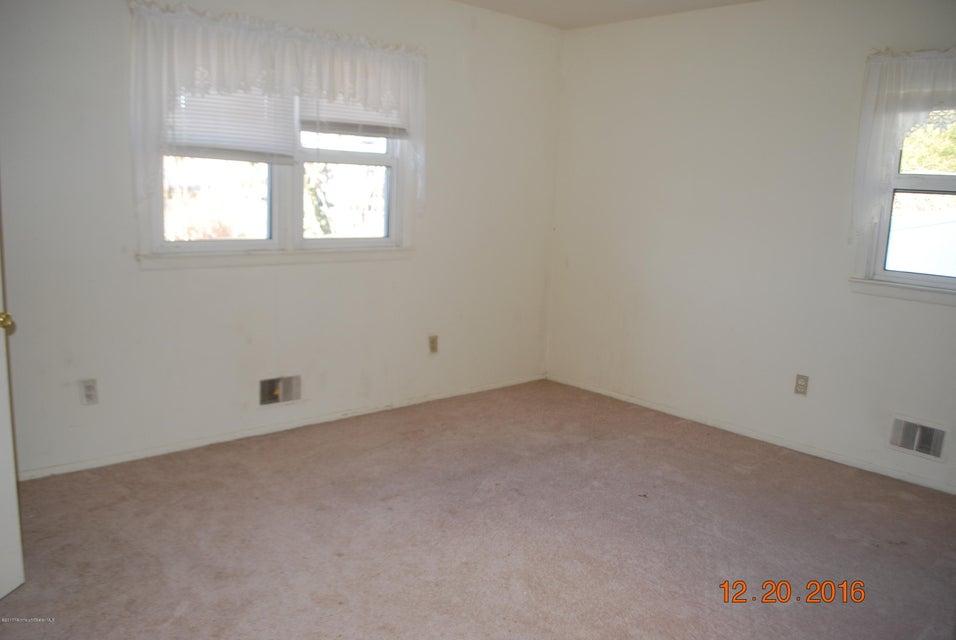 Additional photo for property listing at 565 Vaughn Avenue  汤姆斯河, 新泽西州 08753 美国