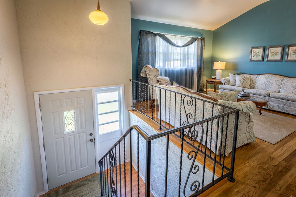 Additional photo for property listing at 24 Monticello Drive  Howell, New Jersey 07731 États-Unis