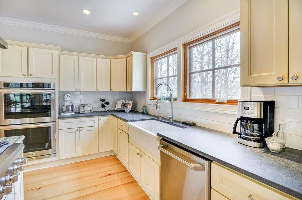 Additional photo for property listing at 83 Portland Road  Atlantic Highlands, Nueva Jersey 07716 Estados Unidos