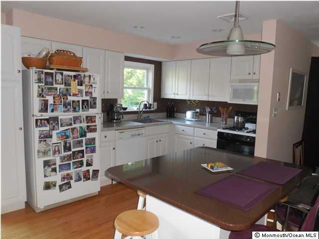 Additional photo for property listing at 128 Lake Avenue  Island Heights, Nueva Jersey 08732 Estados Unidos