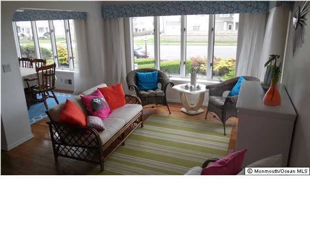 Additional photo for property listing at 7 Lincoln Avenue  Avon By The Sea, New Jersey 07717 États-Unis