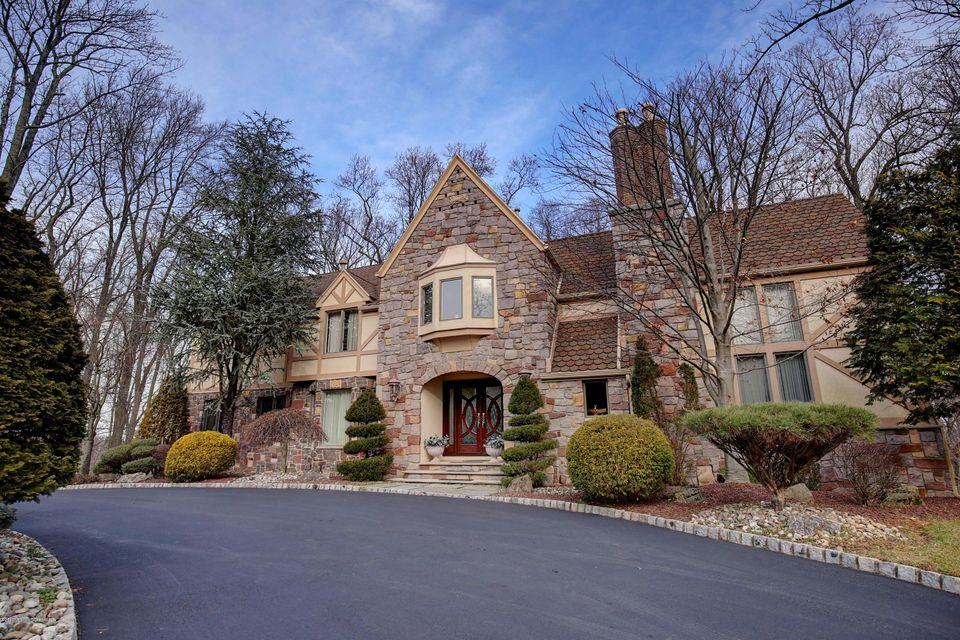 Additional photo for property listing at 59 Takolusa Drive  Holmdel, New Jersey 07733 États-Unis
