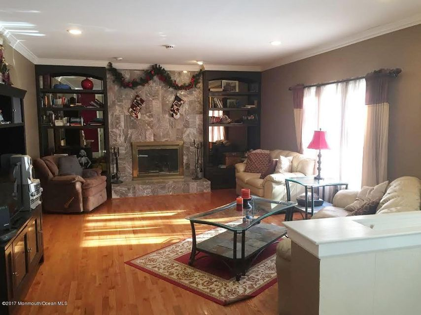 Additional photo for property listing at 519 Atlantic Avenue  Aberdeen, New Jersey 07747 États-Unis