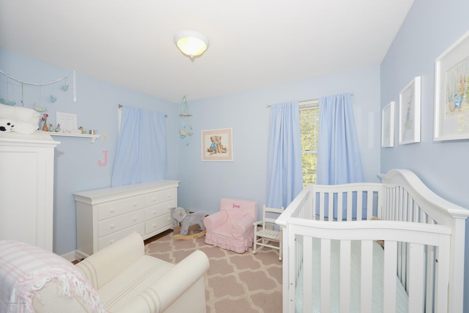 Additional photo for property listing at 231 Spring Street  Red Bank, Nueva Jersey 07701 Estados Unidos