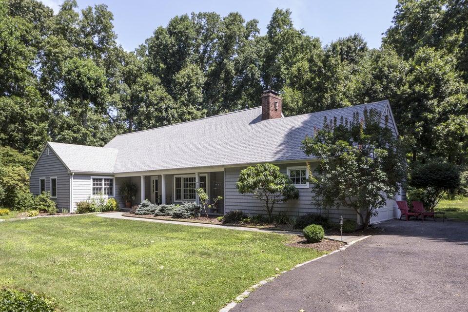 独户住宅 为 销售 在 27 Buena Vista Avenue 拉姆森, 新泽西州 07760 美国