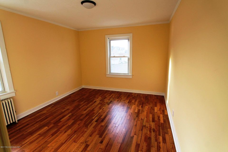 Additional photo for property listing at 103 Garfield Lane  Avon By The Sea, New Jersey 07717 États-Unis