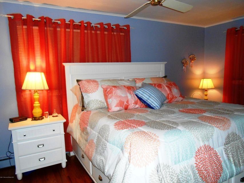 Additional photo for property listing at 314 Trenton Avenue  Point Pleasant Beach, New Jersey 08742 États-Unis
