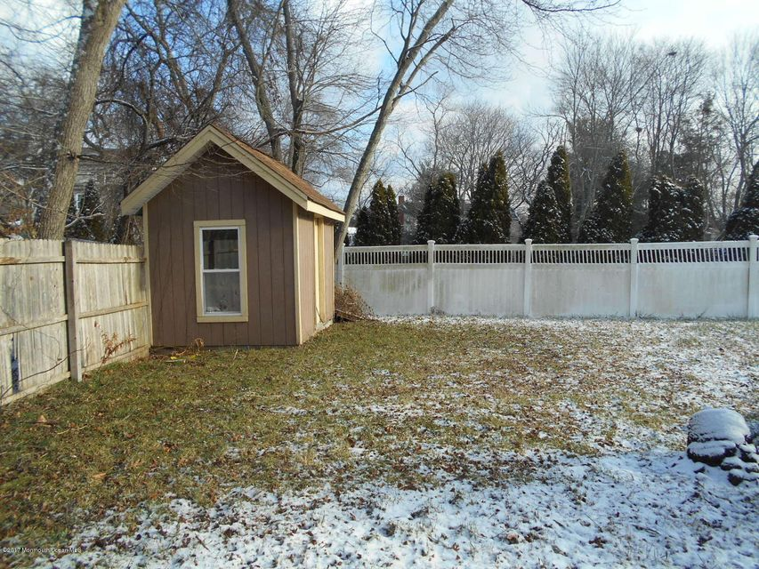 Additional photo for property listing at 735 Mccormick Drive  Toms River, New Jersey 08753 United States