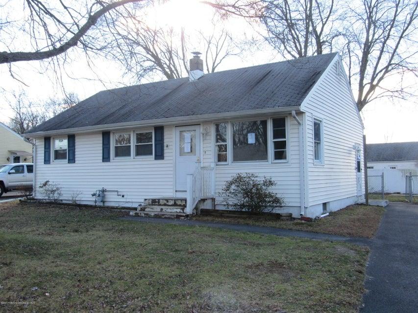 Maison unifamiliale pour l Vente à 214 Hemlock Drive Neptune, New Jersey 07753 États-Unis