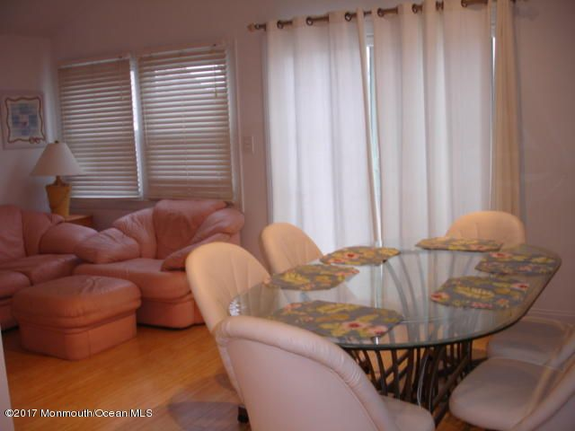 Additional photo for property listing at 30 N Street  Seaside Park, New Jersey 08752 États-Unis