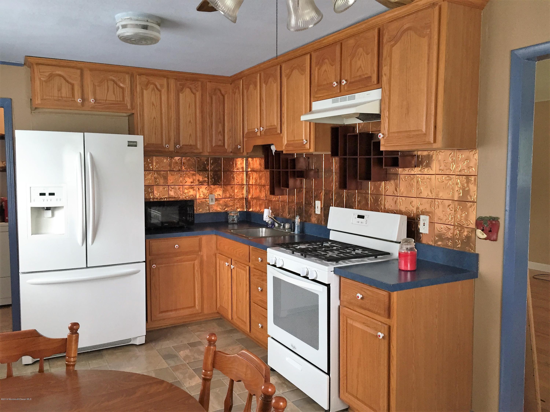 Additional photo for property listing at 513 Lillie Road  Toms River, Nueva Jersey 08753 Estados Unidos