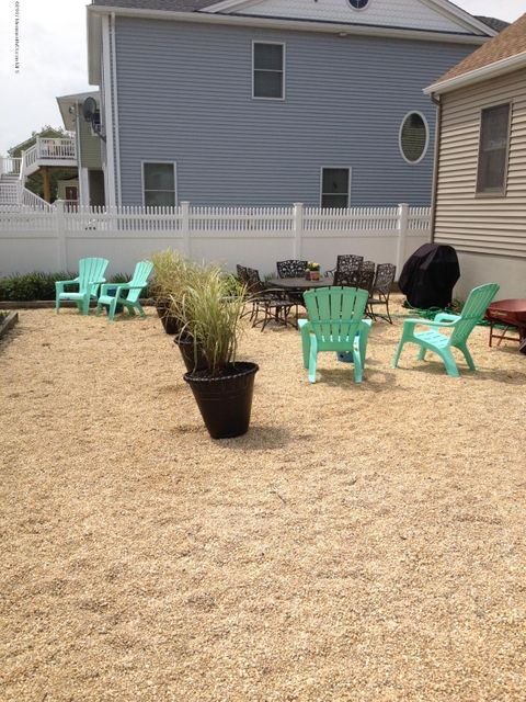 Additional photo for property listing at 114 New Brunswick Avenue  Lavallette, New Jersey 08735 United States