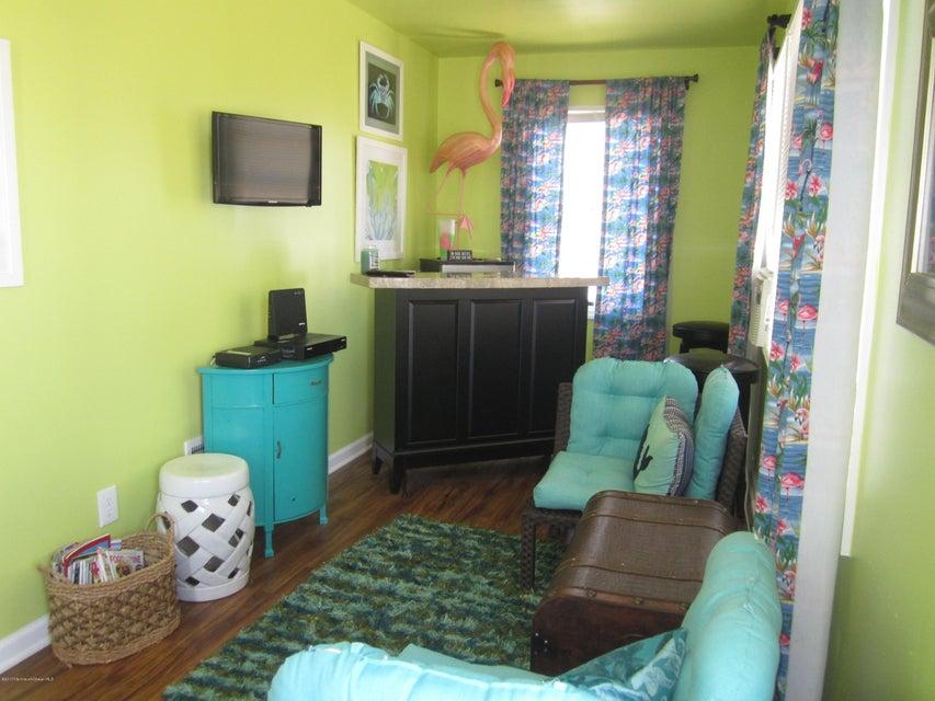 Additional photo for property listing at 114 New Brunswick Avenue  Lavallette, Nueva Jersey 08735 Estados Unidos
